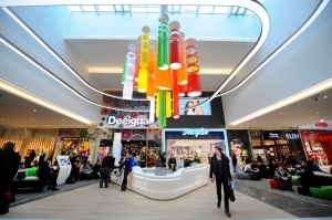 V pátek 22. bøezna se otevírá rozšíøené nákupní Centrum Èermý Most.